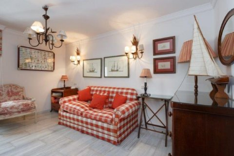 Penthouse for rent in Nueva Andalucia, Malaga, Spain, 5 bedrooms, 450.00m2, No. 1518 – photo 11