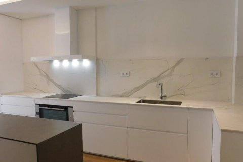 Apartment for rent in Madrid, Spain, 3 bedrooms, 300.00m2, No. 1576 – photo 29