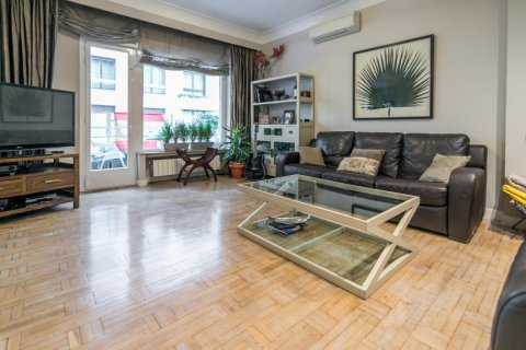 Apartment for sale in Madrid, Spain, 5 bedrooms, 236.00m2, No. 1569 – photo 1