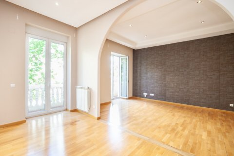 Apartment for rent in Madrid, Spain, 4 bedrooms, 190.00m2, No. 1474 – photo 6