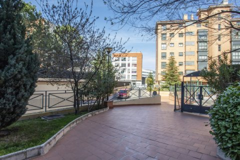 Apartment for sale in Madrid, Spain, 2 bedrooms, 91.00m2, No. 2073 – photo 25