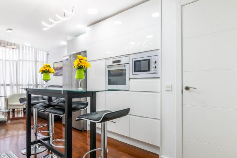 Apartment for sale in Madrid, Spain, 3 bedrooms, 100.00m2, No. 2540 – photo 12
