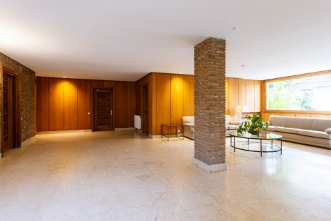 Apartment for sale in Madrid, Spain, 5 bedrooms, 293.00m2, No. 2736 – photo 11