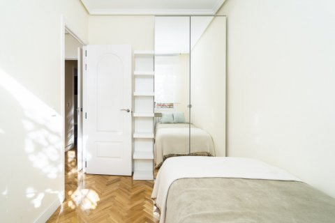 Apartment for sale in Madrid, Spain, 2 bedrooms, 80.00m2, No. 2516 – photo 23