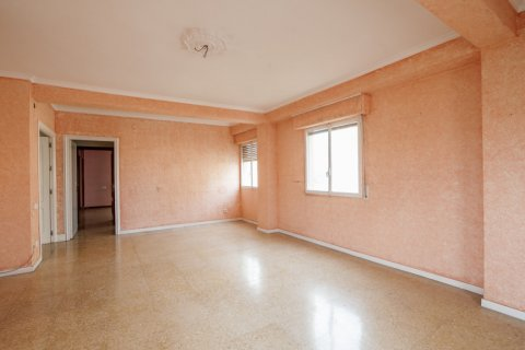Apartment for sale in Sevilla, Seville, Spain, 5 bedrooms, 204.00m2, No. 2637 – photo 4