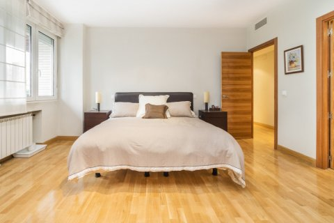 Apartment for sale in Madrid, Spain, 4 bedrooms, 218.00m2, No. 2576 – photo 21