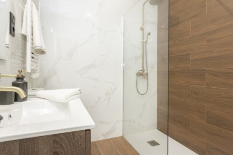 Apartment for sale in Madrid, Spain, 1 bedroom, 50.00m2, No. 2723 – photo 28