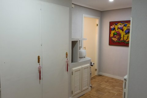 Apartment for rent in Madrid, Spain, 3 bedrooms, 170.00m2, No. 2047 – photo 23