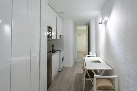 Apartment for sale in Madrid, Spain, 1 bedroom, 47.00m2, No. 2337 – photo 4