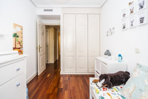 Apartment for sale in Madrid, Spain, 3 bedrooms, 132.00m2, No. 1694 – photo 27