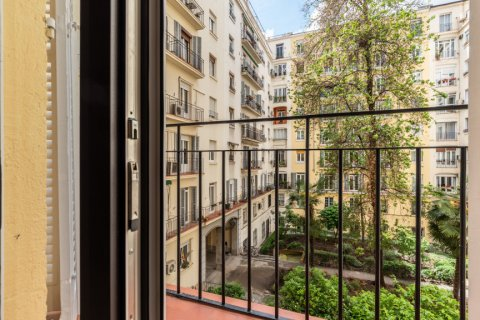 Apartment for sale in Madrid, Spain, 2 bedrooms, 120.00m2, No. 2578 – photo 23