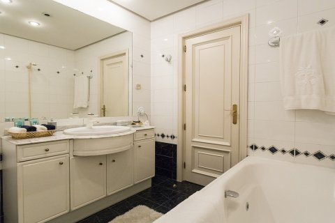 Duplex for sale in Madrid, Spain, 5 bedrooms, 514.00m2, No. 1493 – photo 20