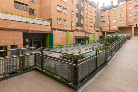 Apartment for sale in Madrid, Spain, 3 bedrooms, 121.00m2, No. 2521 – photo 30