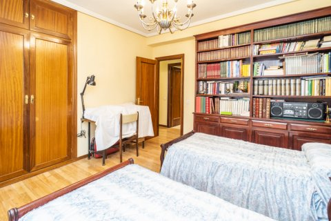 Apartment for sale in Madrid, Spain, 4 bedrooms, 152.00m2, No. 2316 – photo 21