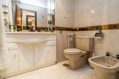 Apartment for sale in Madrid, Spain, 4 bedrooms, 152.00m2, No. 2316 – photo 14