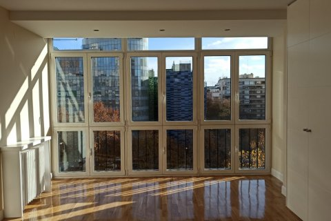 Apartment for rent in Madrid, Spain, 5 bedrooms, 275.00m2, No. 1988 – photo 20