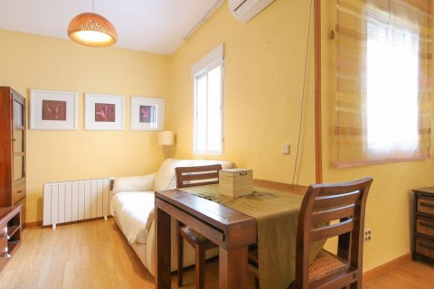 Apartment for sale in Madrid, Spain, 1 bedroom, 47.00m2, No. 2529 – photo 1