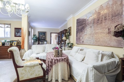 Apartment for sale in Malaga, Spain, 5 bedrooms, 181.00m2, No. 2193 – photo 4