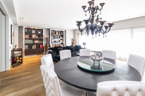Apartment for sale in Madrid, Spain, 3 bedrooms, 322.00m2, No. 2564 – photo 6