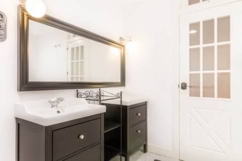 Apartment for sale in Madrid, Spain, 3 bedrooms, 215.00m2, No. 2448 – photo 30