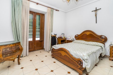 Apartment for sale in Madrid, Spain, 5 bedrooms, 133.00m2, No. 2686 – photo 12