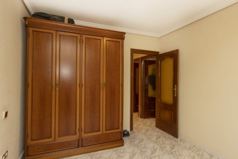 Apartment for sale in Madrid, Spain, 5 bedrooms, 114.00m2, No. 2670 – photo 17