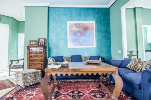 Apartment for sale in Madrid, Spain, 4 bedrooms, 230.00m2, No. 1672 – photo 9
