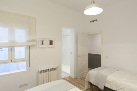 Apartment for sale in Madrid, Spain, 3 bedrooms, 142.00m2, No. 2689 – photo 19