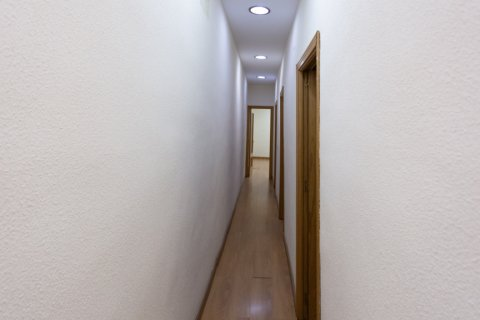 Apartment for sale in Madrid, Spain, 3 bedrooms, 120.00m2, No. 2439 – photo 10