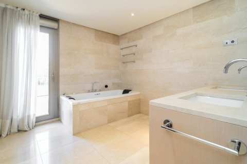 Penthouse for sale in Madrid, Spain, 3 bedrooms, 239.00m2, No. 1699 – photo 21
