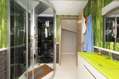 Apartment for sale in Madrid, Spain, 4 bedrooms, 418.00m2, No. 2200 – photo 19