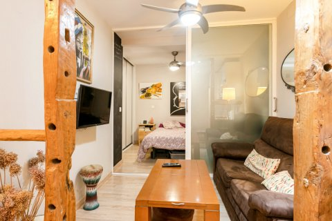 Apartment for sale in Madrid, Spain, 1 bedroom, 42.00m2, No. 2303 – photo 2