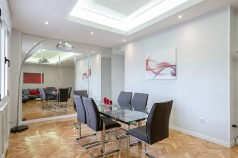 Apartment for sale in Madrid, Spain, 3 bedrooms, 147.00m2, No. 2026 – photo 4