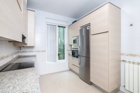 Apartment for rent in Madrid, Spain, 4 bedrooms, 190.00m2, No. 1474 – photo 10
