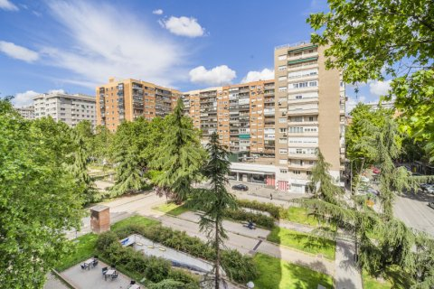 Apartment for sale in Madrid, Spain, 5 bedrooms, 181.00m2, No. 2706 – photo 3