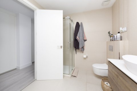 Apartment for sale in Madrid, Spain, 4 bedrooms, 218.00m2, No. 2124 – photo 14