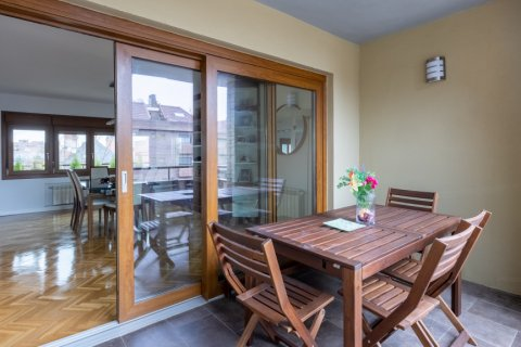 Duplex for sale in Madrid, Spain, 5 bedrooms, 216.00m2, No. 2360 – photo 14