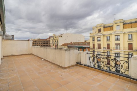 Penthouse for sale in Madrid, Spain, 2 bedrooms, 175.00m2, No. 2040 – photo 5