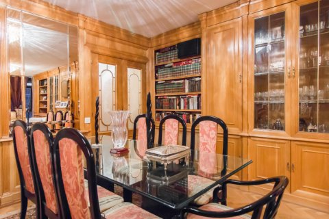 Apartment for sale in Madrid, Spain, 4 bedrooms, 140.00m2, No. 1787 – photo 7