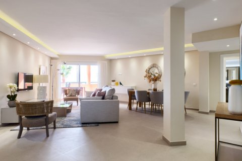 Penthouse for sale in Estepona, Malaga, Spain, 3 bedrooms, 125.00m2, No. 2225 – photo 19