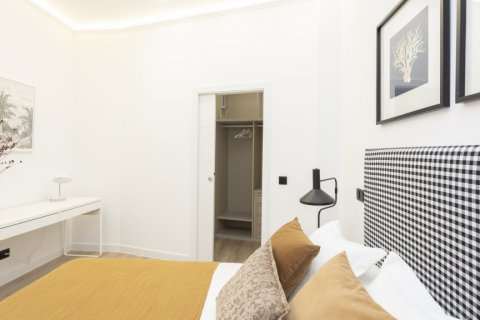 Apartment for sale in Madrid, Spain, 1 bedroom, 50.00m2, No. 2723 – photo 25