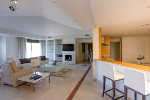 Penthouse for rent in Puerto Banus, Malaga, Spain, 4 bedrooms, 695.00m2, No. 1949 – photo 18