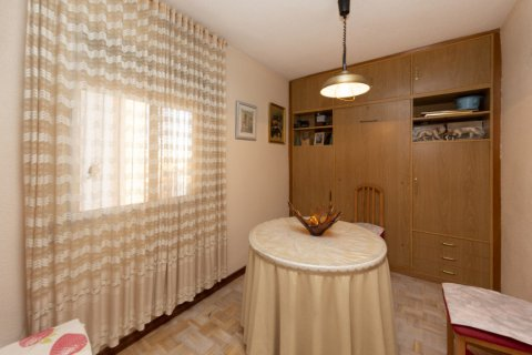Apartment for sale in Madrid, Spain, 3 bedrooms, 90.00m2, No. 2414 – photo 16