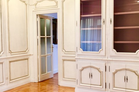 Apartment for rent in Madrid, Spain, 7 bedrooms, 150.00m2, No. 1624 – photo 9