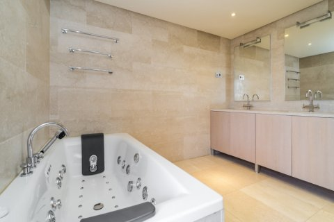 Penthouse for sale in Madrid, Spain, 3 bedrooms, 239.00m2, No. 1699 – photo 20