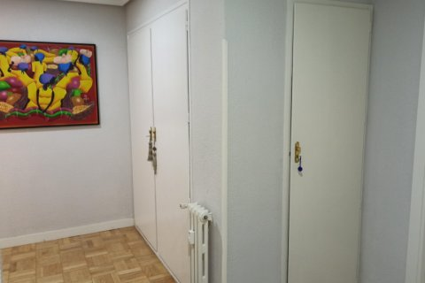 Apartment for rent in Madrid, Spain, 3 bedrooms, 170.00m2, No. 2047 – photo 24