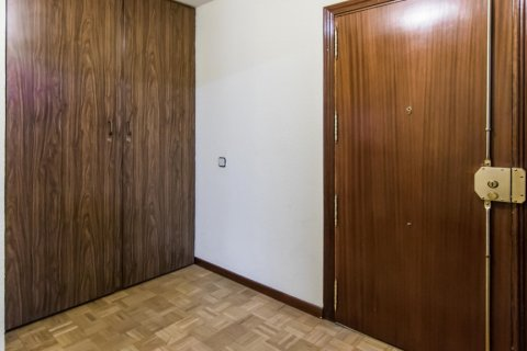 Apartment for sale in Madrid, Spain, 4 bedrooms, 261.00m2, No. 1652 – photo 27