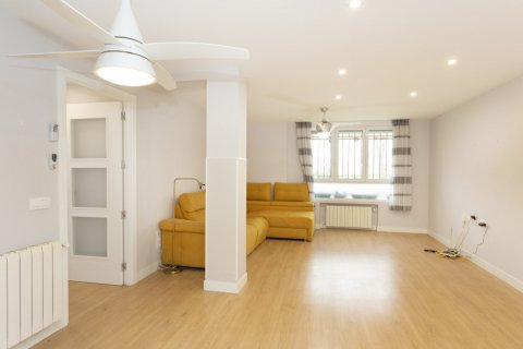 Apartment for sale in Madrid, Spain, 2 bedrooms, 94.00m2, No. 2639 – photo 2