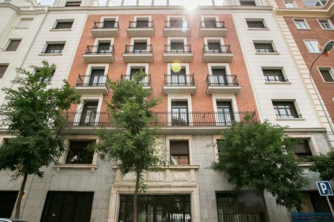 Duplex for sale in Madrid, Spain, 2 bedrooms, 141.01m2, No. 2023 – photo 5