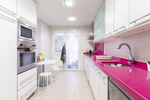 Apartment for sale in Madrid, Spain, 4 bedrooms, 158.00m2, No. 2182 – photo 15